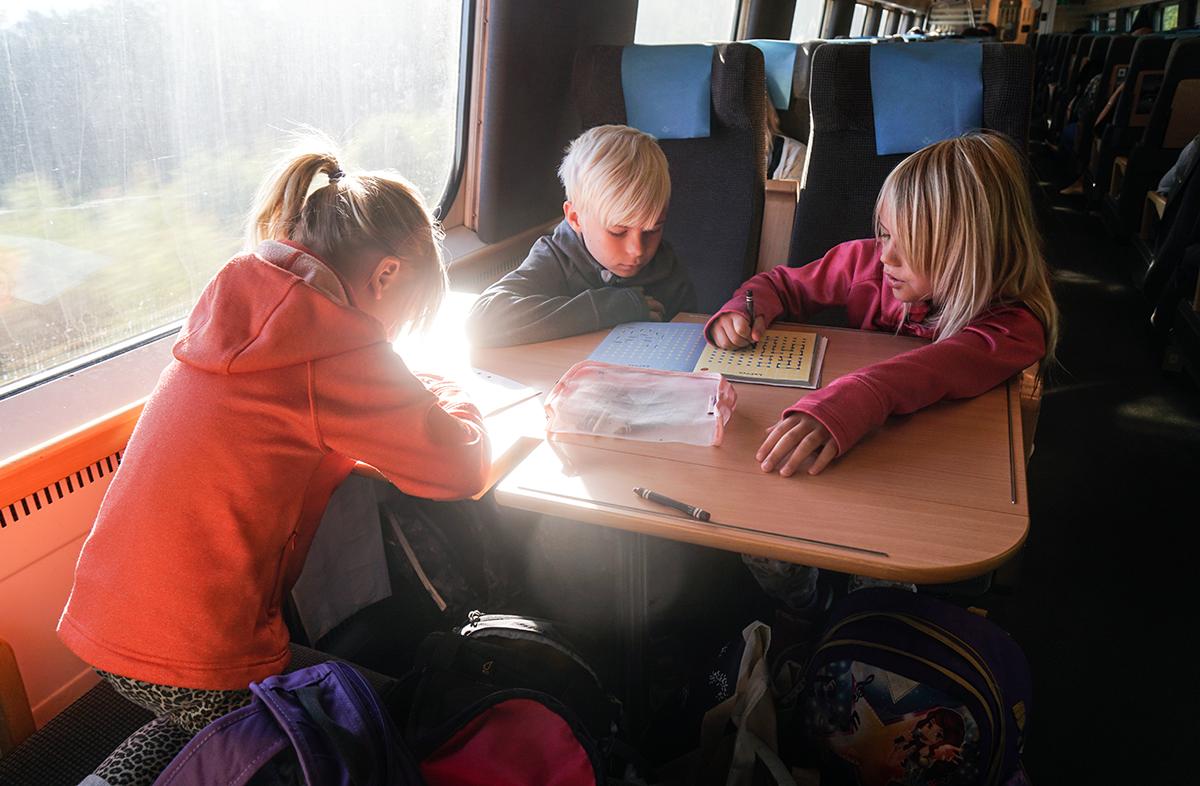 att resa med tåg barn